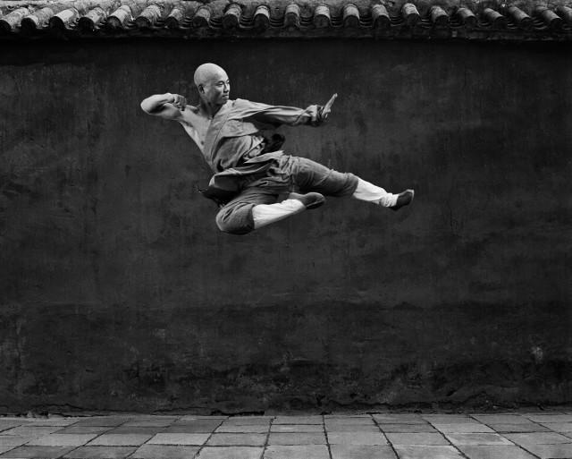 В прыжке. Автор Изабель Муньос