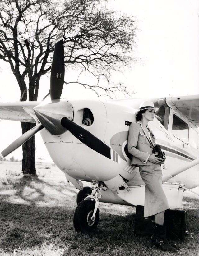 Кира Найтли, самолёт. Vogue, 2007. Фотограф Артур Элгорт