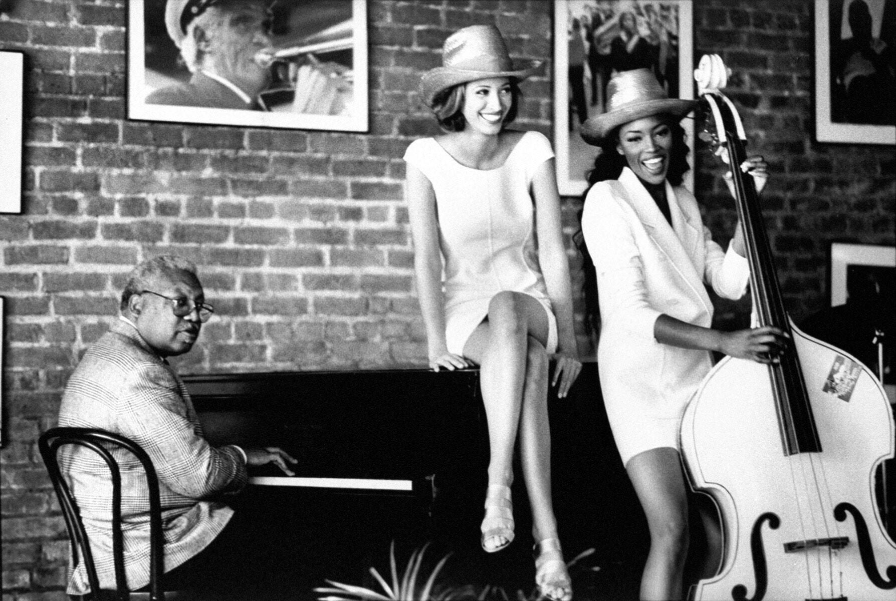 Эллис Луи Марсалис-младший, Кристи Тарлингтон и Наоми Кэмпбелл в Луизиане, Vogue, 1992. Автор Артур Элгорт