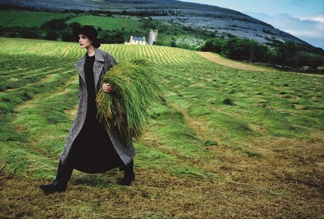 Надя Ауэрманн в Ирландии, Vogue, 1993. Автор Артур Элгорт