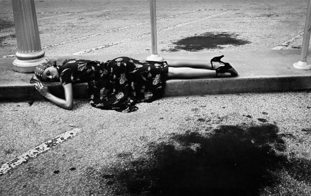 Модель и актриса Аполлония в Париже, 1971. Автор Артур Элгорт