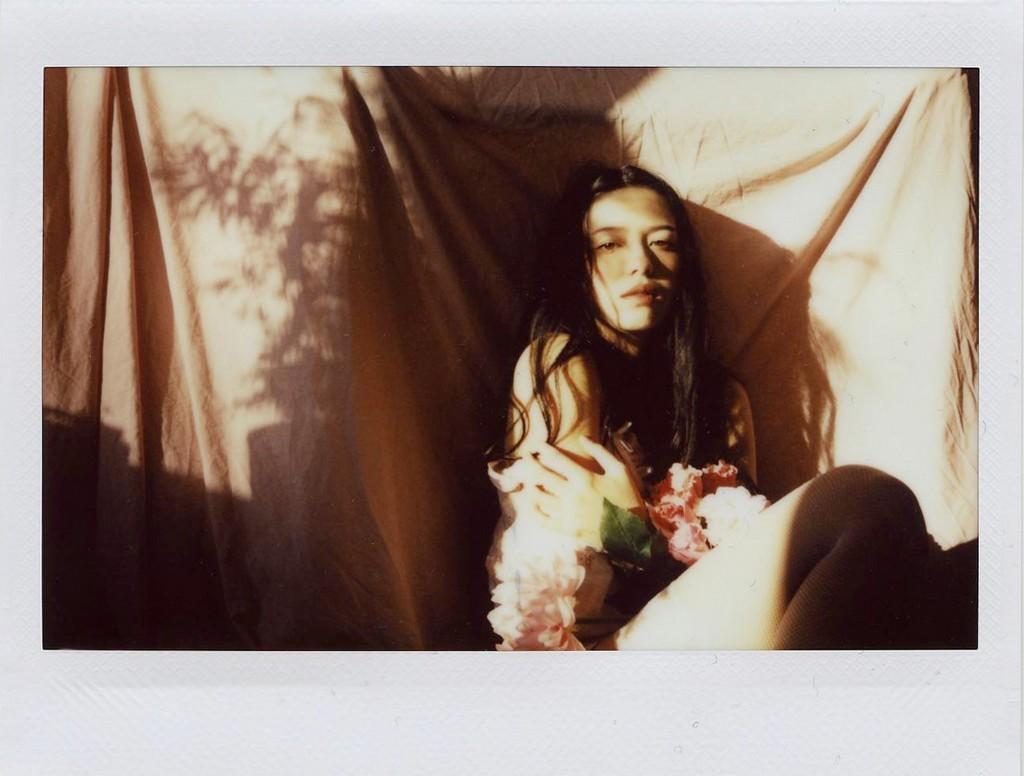 «Девушка с цветами». Фотограф ne4nt