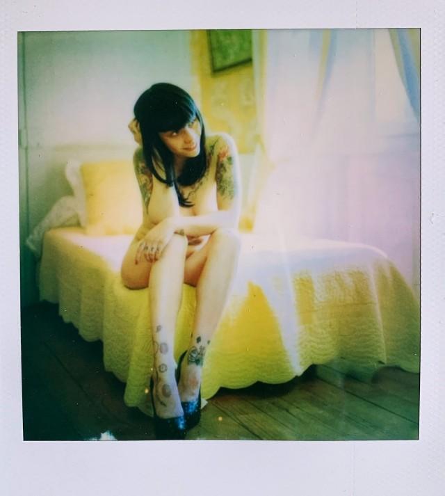 «Комната в жёлтых тонах». Фотограф Ranskafrede - Of Light and Silver