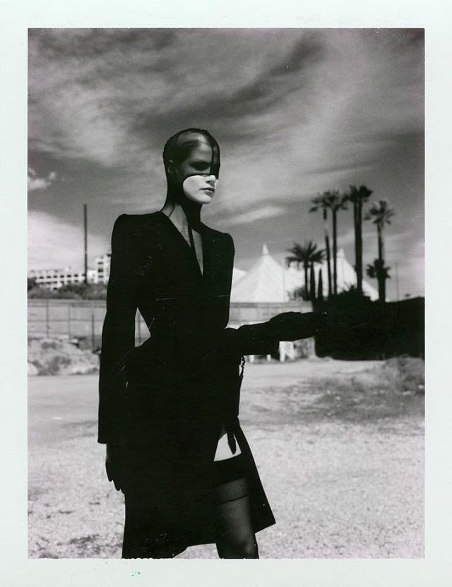 Съёмка для модного дома Тьери Мюглера, Монте-Карло, 1998. Фотограф Хельмут Ньютон