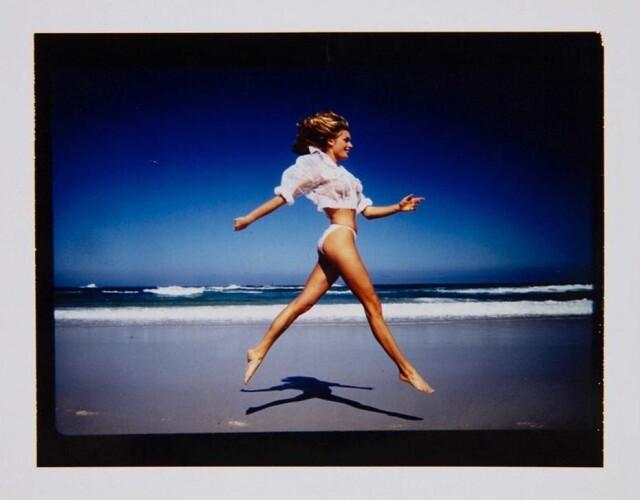 Ребекка Ромейн на пляже в Южной Африке, 1993. Фотограф Марко Главиано