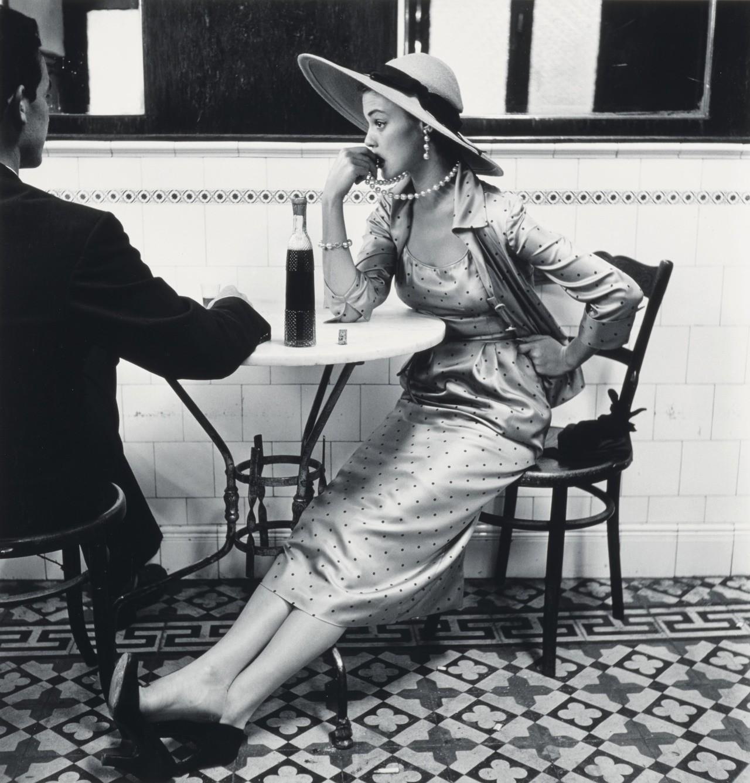 Кафе в Лиме, Перу, съёмка для Vogue, 1948. Фотограф Ирвин Пенн