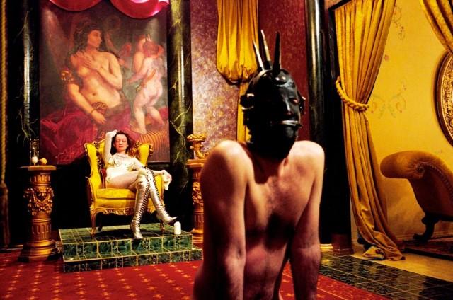 «Ящик Пандоры», БДСМ-клуб, Версальская комната, Нью-Йорк, 1995. Фотограф Сьюзен Мейзелас