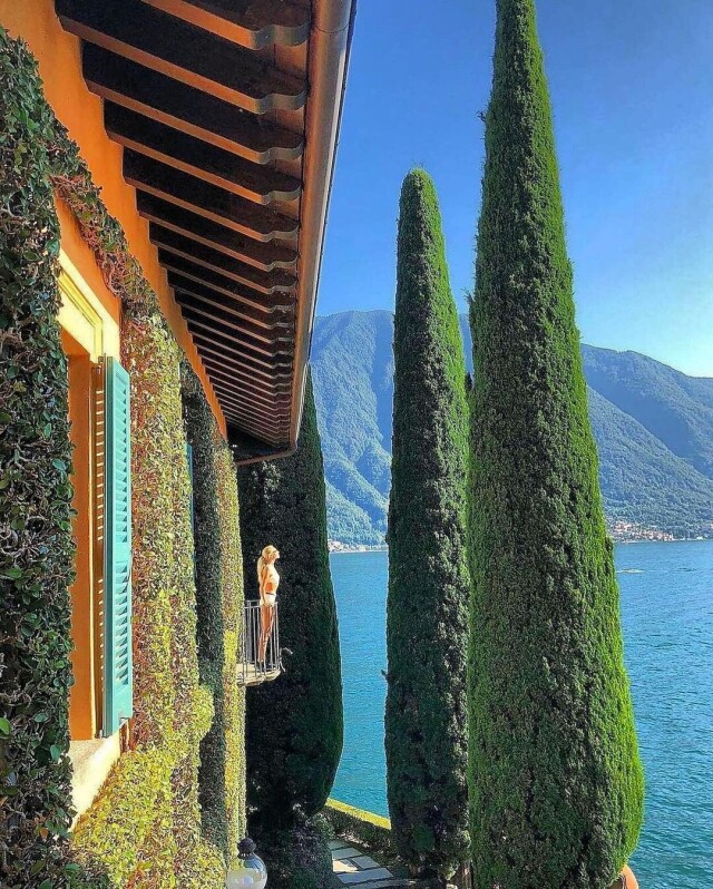Утро на озере Комо, Италия