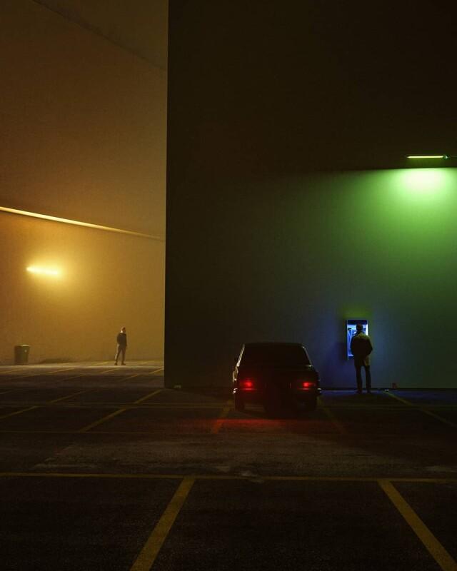 Ночной звонок. Фотограф George Natsioulis