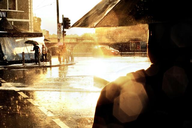 Дождь в городе. Фотограф Сэм Феррис
