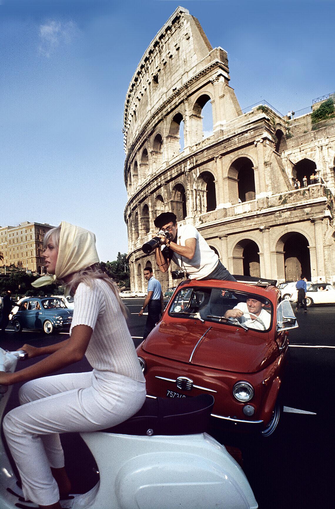 Погоня в стиле папарацци. Бритт Экланд и Питер Селлерс, Рим, август 1965 года. Фотограф Дуглас Киркланд