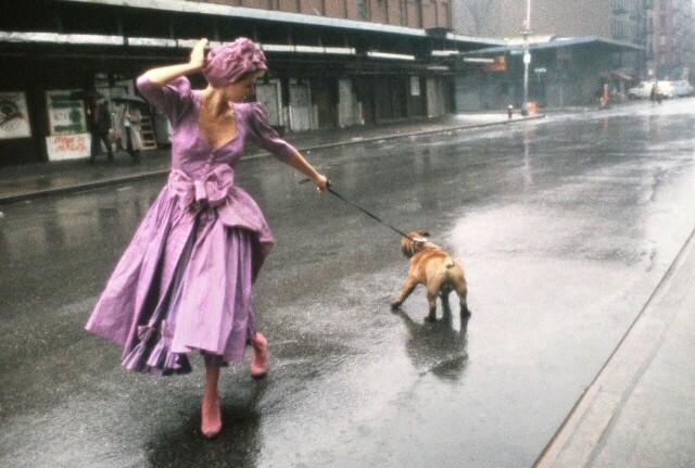 Дама с бульдогом, 1994. Фотограф Роберт Фарбер