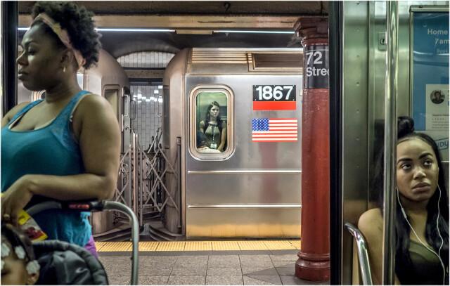 Три женщины. Метро, Нью-Йорк, 2017. Фотограф Мэтт Вебер