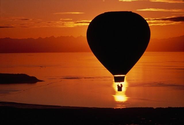 Воздушный шар над заливом Кука, Аляска, 1986. Фотограф Крис Джонс