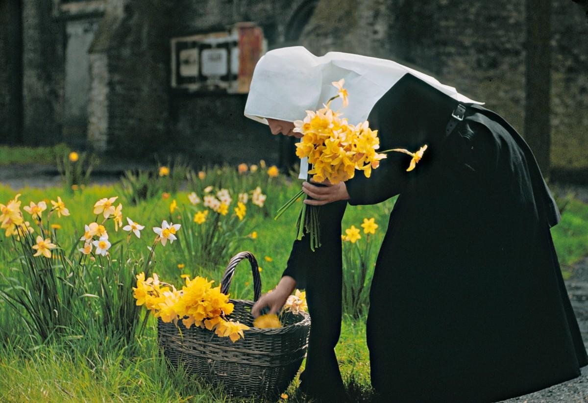 Монахиня в Брюгге, Бельгия, 1955. Фотограф Мартин Карплус