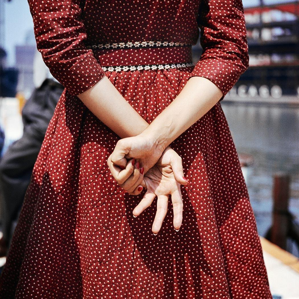 Красное платье, 1956. Фотограф Вивиан Майер