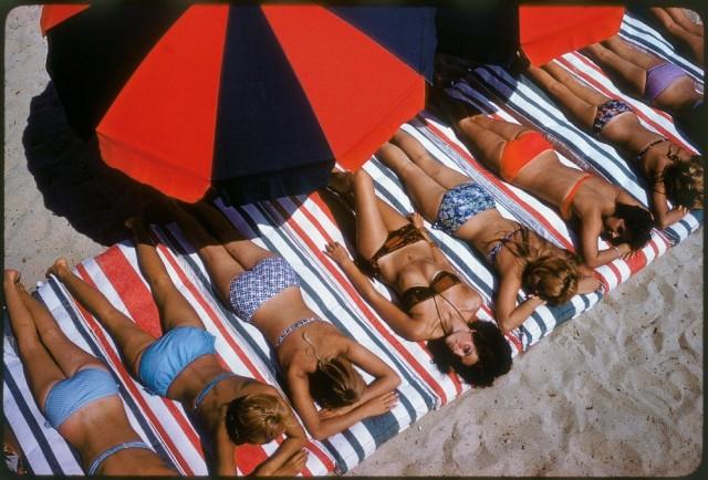 Сен-Тропе, Франция, 1959. Фотограф Эллиотт Эрвитт