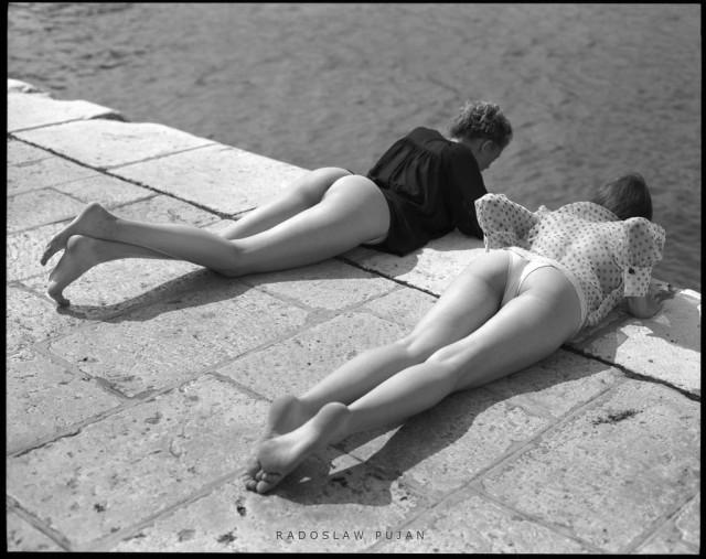 Две девицы. Фотограф Радослав Пуян