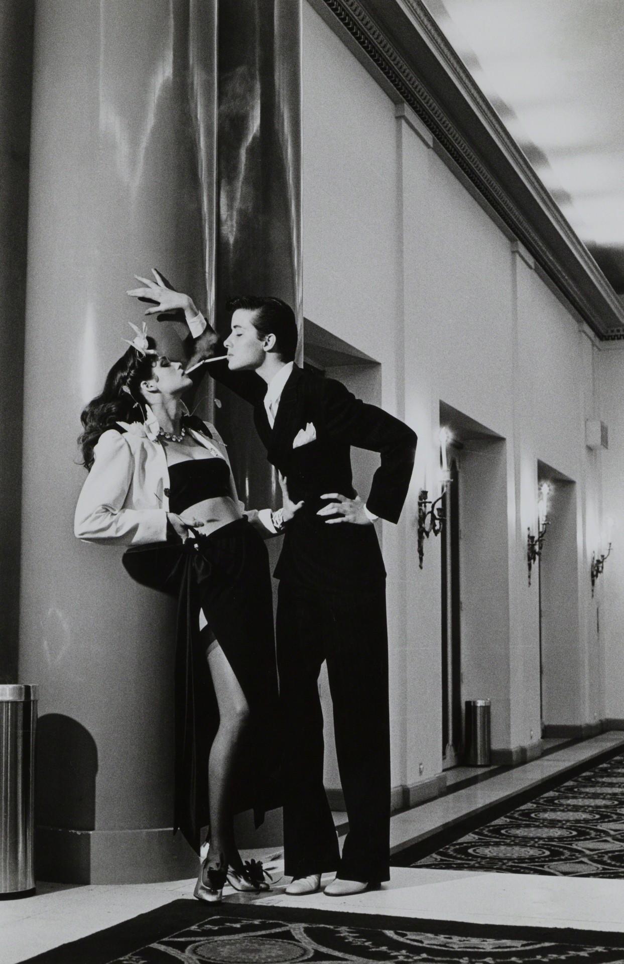 Из женщины в мужчину, французский Vogue, 1979. Фотограф Хельмут Ньютон