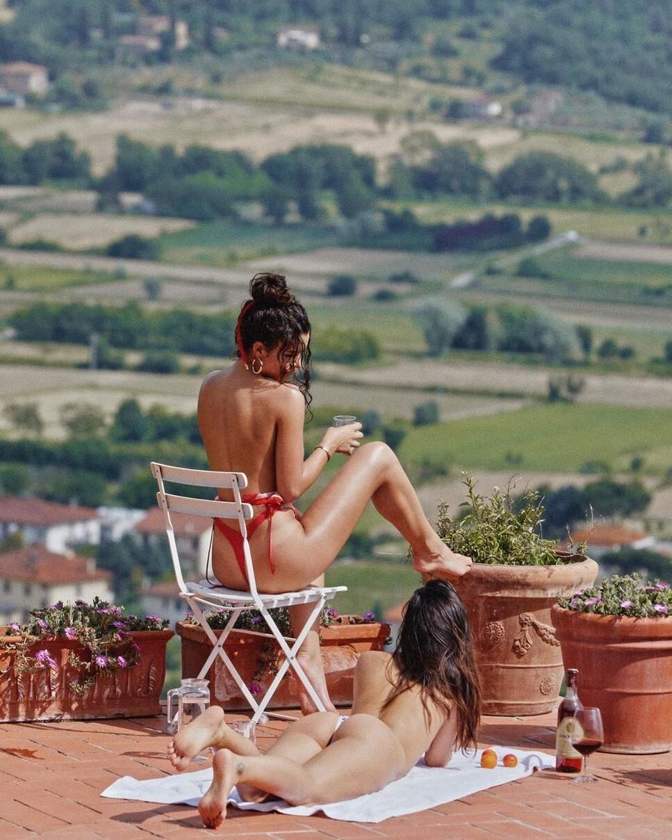Ленивая суббота в Тоскане. Сабина и Катя. Фотограф Milian Eyes