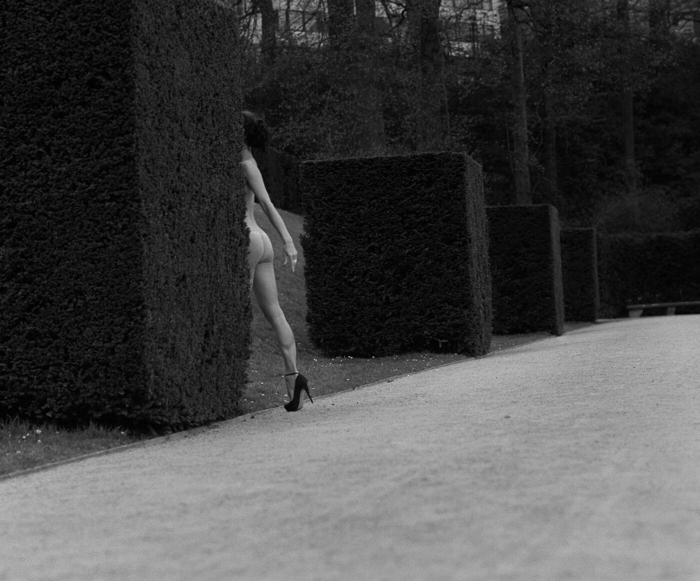 Абстрактный куб. Из фотокниги «Женщины» («Kobiety»). Фотограф Радослав Пуян