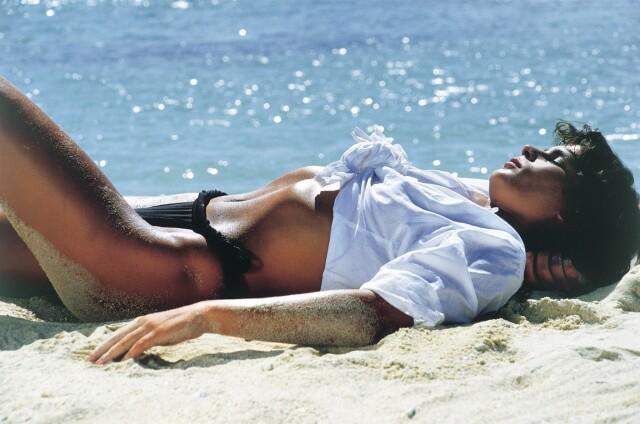 Стефания (принцесса Монако) на съёмках клипа «Ouragan» («Ураган»). Маврикий, 1986. Фотограф Жан-Даниэль Лорье