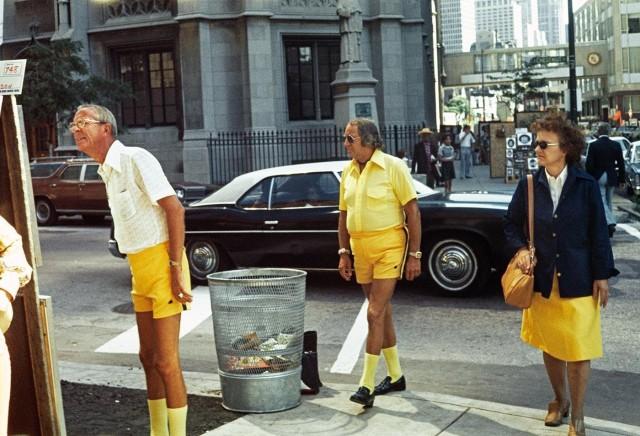 «Жёлтый – новый чёрный». Чикаго, 1975. Фотограф Вивиан Майер