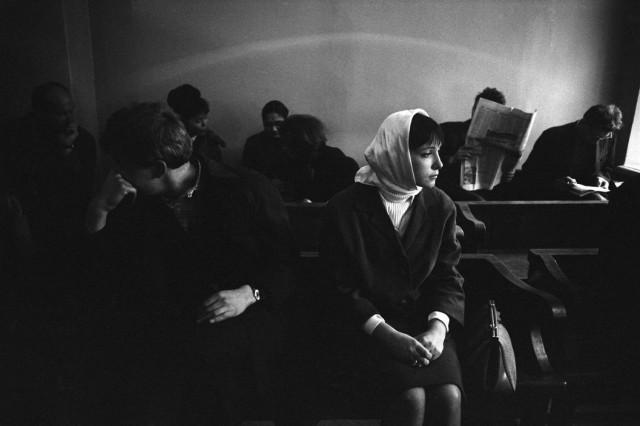 Развод, Москва, 1966. Фотограф Ева Арнольд