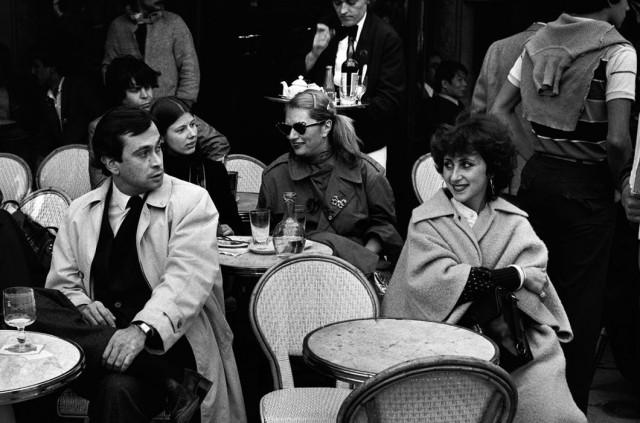 Кафе в Париже, 1980. Фотограф Питер Тёрнли