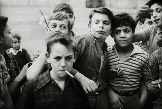 «Гарсоны». Париж, 1955. Фотограф Кеннет Ван Сикл