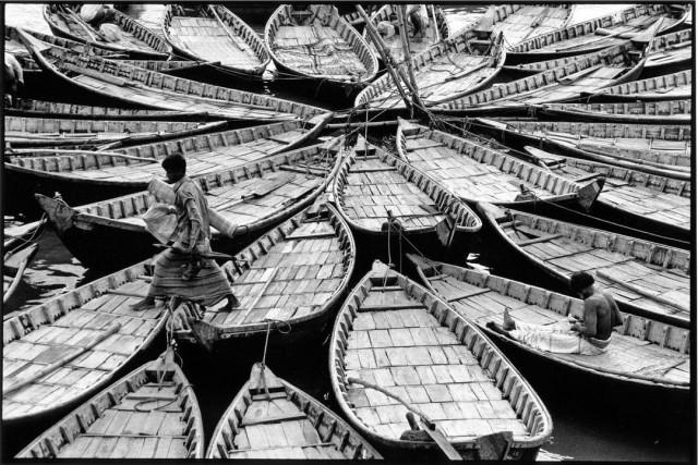 Порт Дакки, Бангладеш. Фотограф Уолтер Ротуэлл