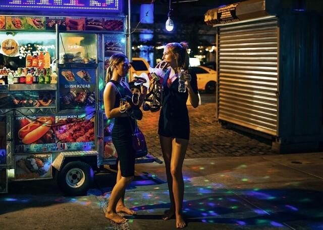 Девушки и каблуки. Фотограф Дина Литовски