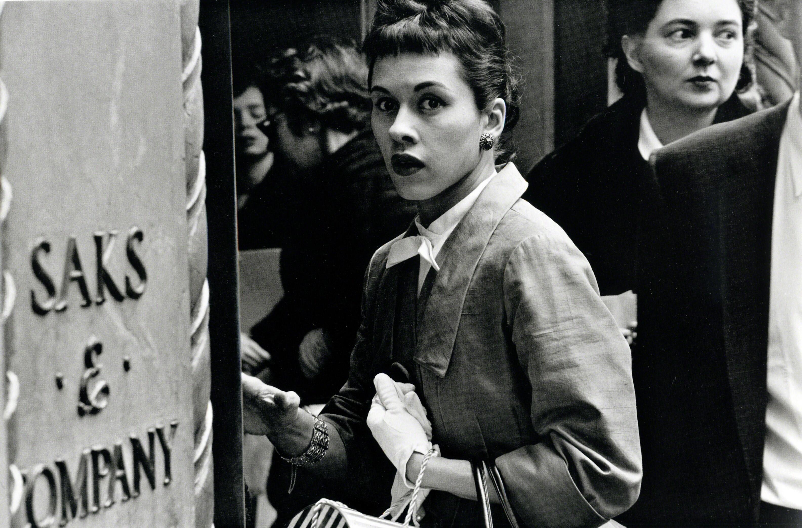 Удивлённая женщина. Нью-Йорк, 1956. Фотограф Фрэнк Полин