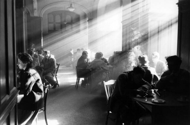 Студенческий союз Эдинбургского университета в Тевиот-Роу Хаус, Шотландия, 1961. Фотограф Роберт Бломфилд