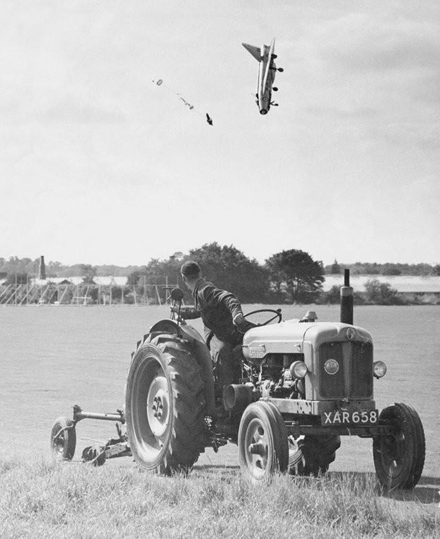 «Хьюстон, у нас проблема». Лётчик-испытатель Джордж Эйрд катапультировался из самолёта English Electric Lightning F1 на низкой высоте в Хатфилде, Хартфордшир, 13 сентября 1962 года.