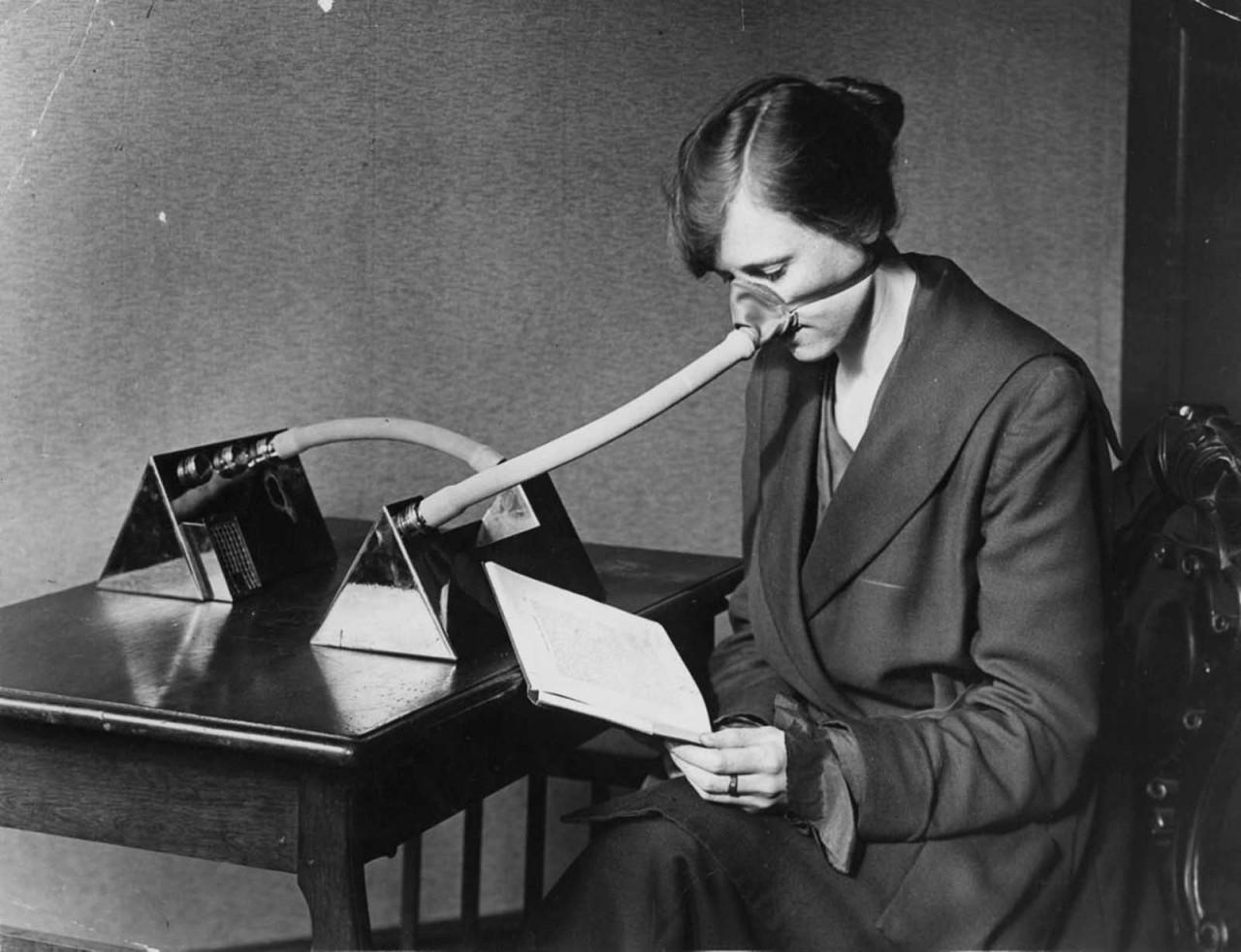 Маска от гриппа во время эпидемии 1919 года