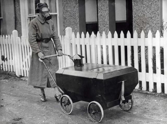 Тестирование защиты от газовых атак. Хекстейбл, Англия, 1938