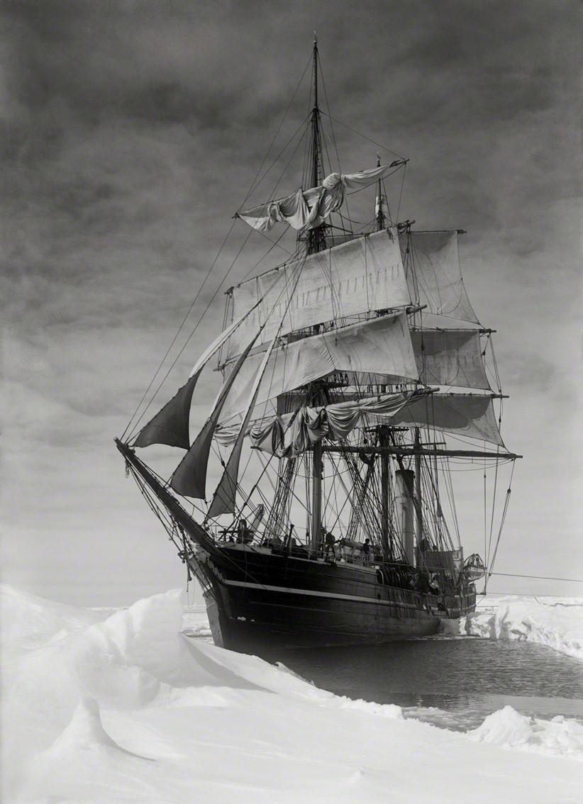 Барк «Терра Нова» в британской антарктической экспедиции, 1910. Фотограф Герберт Понтинг