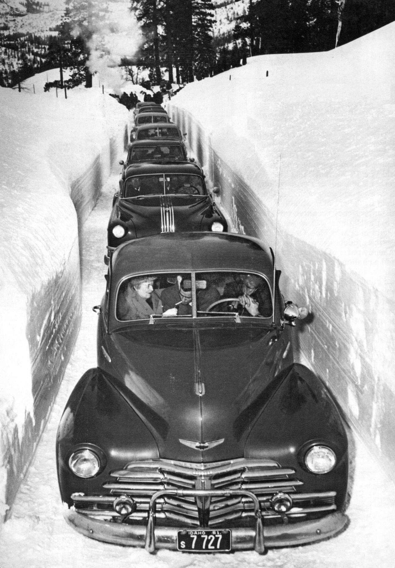 Зимнее автомобильное движение в Айдахо, 1952