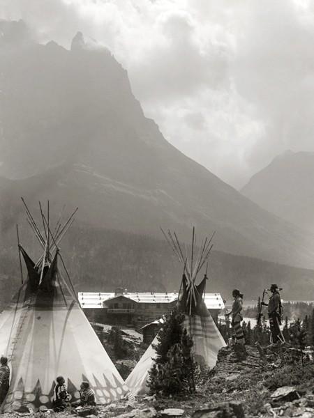 Лагерь «черноногих» индейцев, ок. 1916