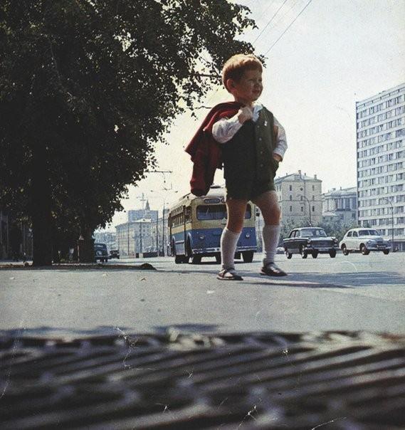 Утром в сaдик, СССР, 1960-е. Фотограф неизвестен