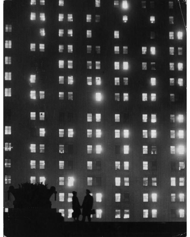 «Негасимый свет». Московский университет ночью, 1964. Фотограф Всеволод Тарасевич