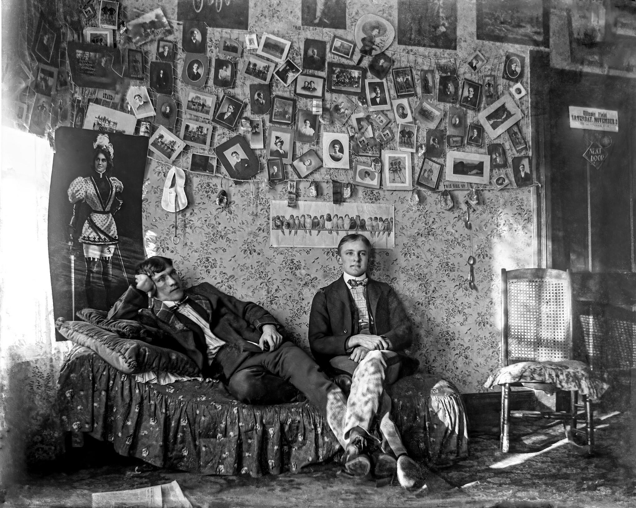 В общежитии Иллинойского университета, 1910 год