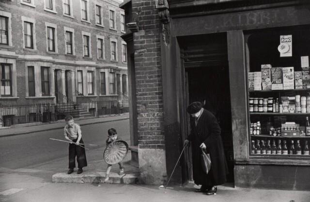 Лондон, 1954. Фотограф Марк Рибу