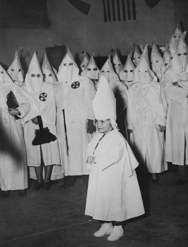 Церемония посвящения детей в ку-клукс-клан. Мейкон, Джорджия, 1946 год