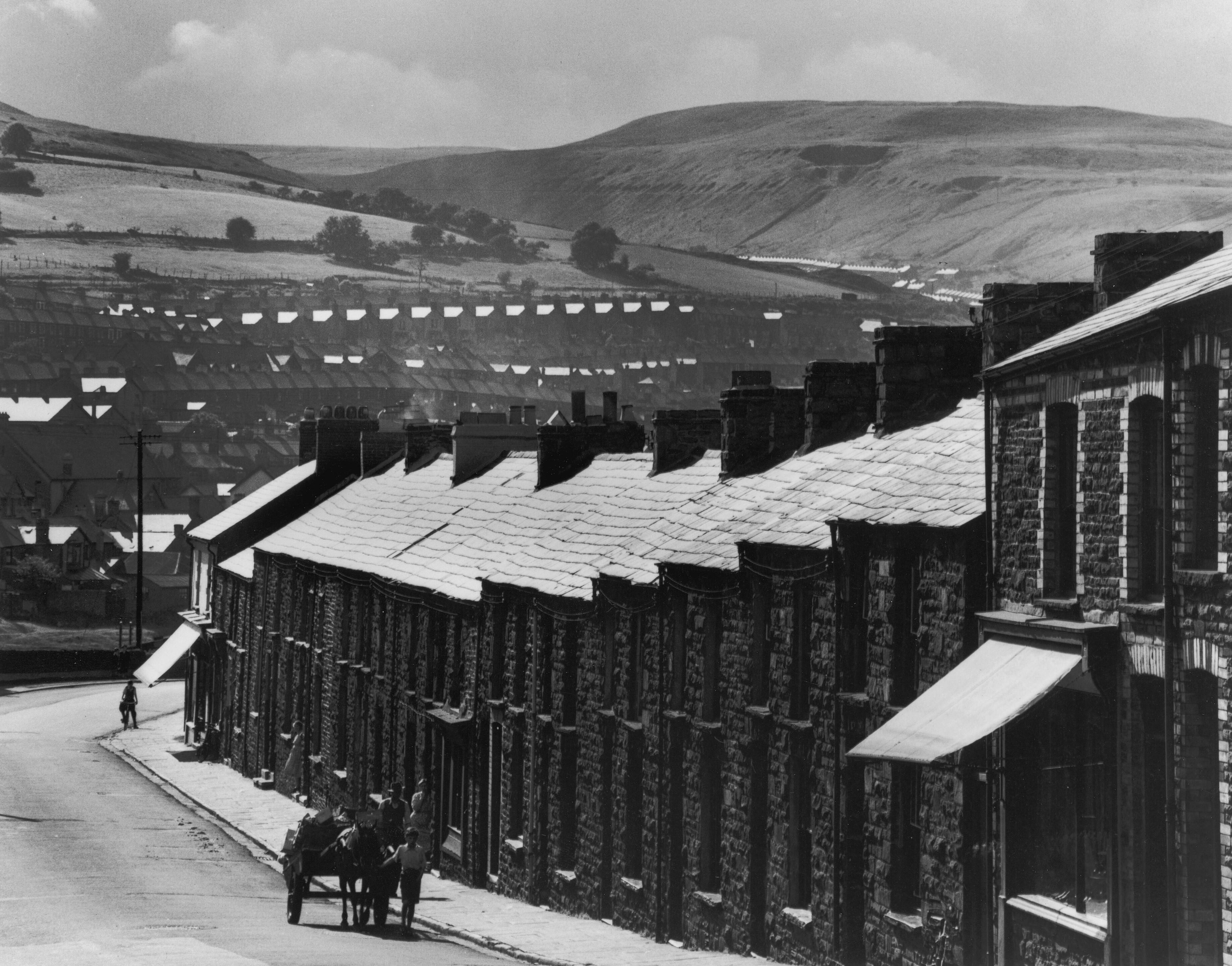 Шахтёрские дома в Уэльсе, 1952. Фотограф Карл Миданс