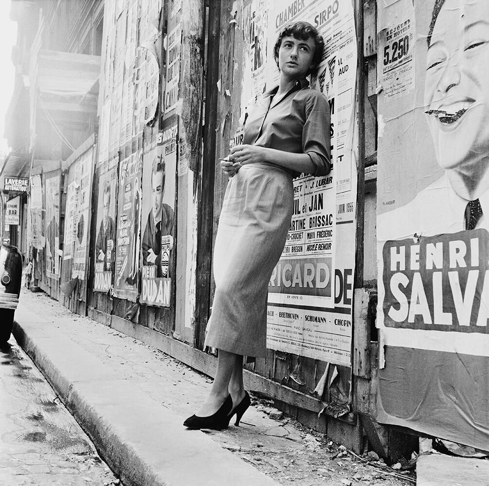 Франсуаза Саган в Париже, 1955. Фотограф Берт Харди