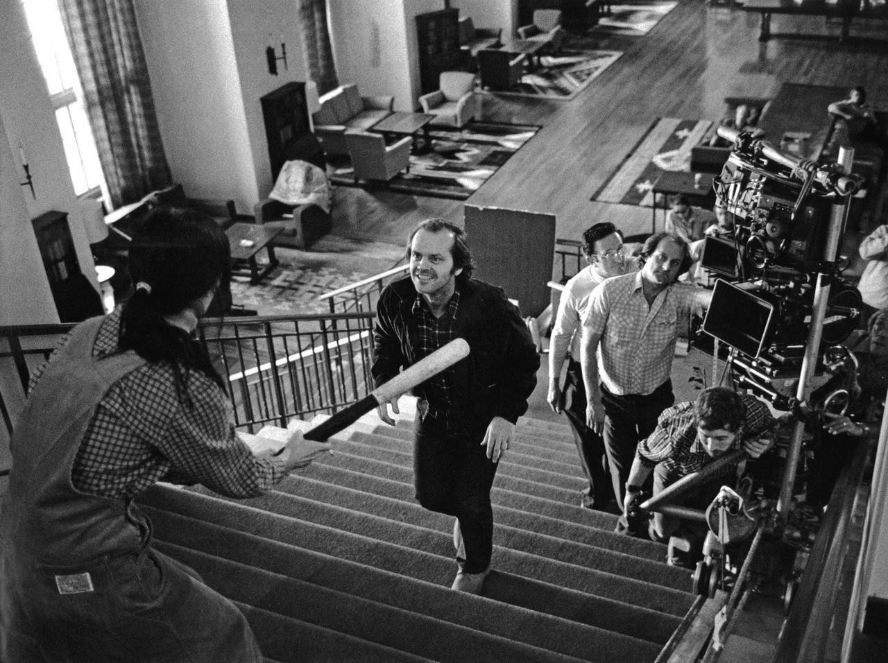 Сцена на лестнице с Джеком Николсоном и Шелли Дюваль в фильме «Сияние», 1980