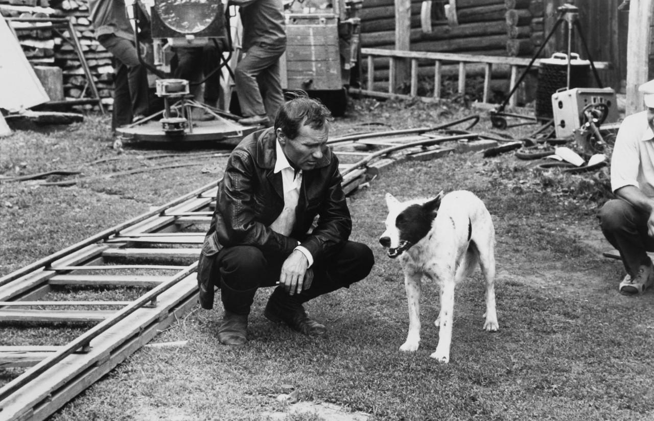 Василий Шукшин на съёмках «Калины красной», 1973