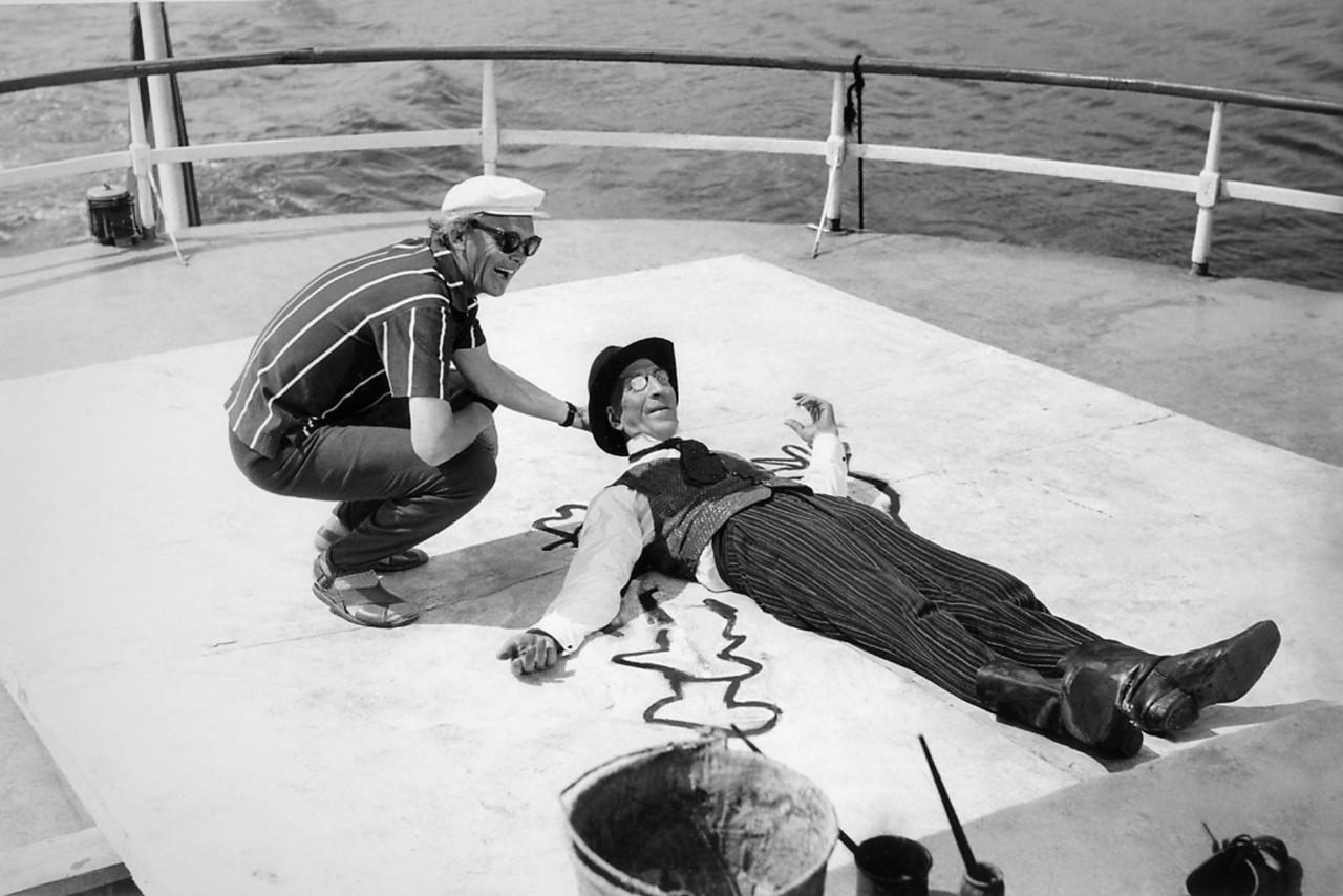 Леонид Гайдай и Сергей Филиппов на съёмках «12 стульев», 1971